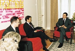 Meeting with the President of the Portuguese Social Democratic Party, José Manuel Barroso (May 2001)