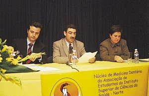 "Forum ""Teaching and Practicing Dentistry in Portugal"" in the South Institute of Health Sciences (April 2001)"