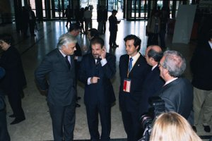 With the president of the Portuguese Physicians Association, Germano de Sousa, and the president of Portuguese Football Federation, Gilberto Madaíl, during the Portuguese Dental Association Annual Meeting (November 2003)