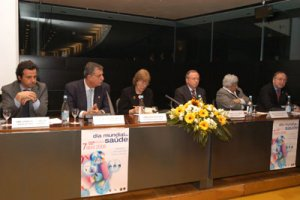 World Health Day with the Portuguese Health Minister, António Correia de Campos, and many health associations, in Lisbon (April 2006)