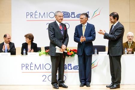 Prof. Vladimir Hachinski, President of the Portuguese Republic, Prof. Aníbal Cavaco Silva, Bial's President, Dr. Luís Portela