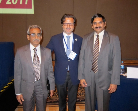 With George Thomas (left), Indian Dental Association president, and L. Krishna Prasad (right), immediate past president