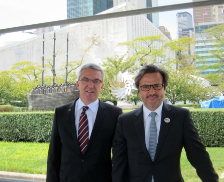 With the FDI executive director, Jean Luc Eiselé (left), next to the United Nations building