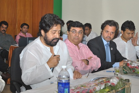 In Kolkata, I had a meeting with the Dental Council of India. Representatives of all the regions of India were present, as well academics. I described all the achievements and approaches of FDI regarding the Non-Communicable Diseases. The minister of Health and Family Welfare-Government of India, Mr. Shri Sudip Bandyopadhyay, was also present at the opening