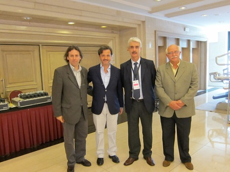 With Alvaro Roda, Uruguayan Dental Association (AOU) president, Fernando Fuentes, president of the Organizing Committee and Alvaro Gadola, AOU treasure.