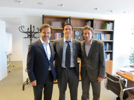 The next day, the 18th, me and Alvaro Roda had a meeting with Dr. Diego Cánepa Baccino, Prosecretario of the President of Republic Oriental  Uruguay. Thought, another important political decision maker was informed about FDI and the profession proposals in Uruguay.
