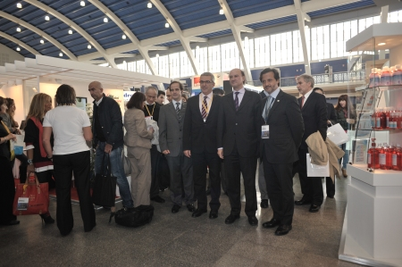 During the visit to the main Exhibition Hall, with Pedro Pires (vice-president of the PDA Board), Jean-Luc Eisele, FDI executive director and with Fernando Leal da Costa, secretary of State