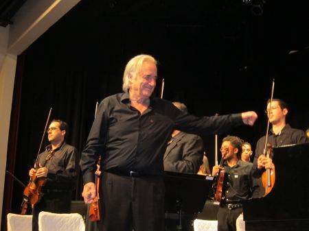 Cerimónia de abertua a cargo da Filarmônica Bachiana sob a regência do maestro João Carlos Martins, pianista a maestro brasileiro famoso pelo seu trabalho social aliado à música